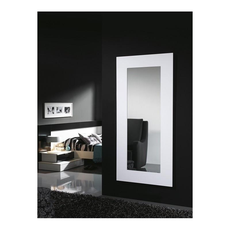 Espejo de dise o espejos exclusivos espejo blanco de dise o for Disenos de espejos