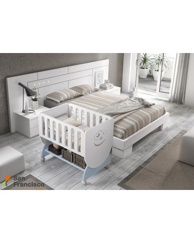Minicuna económica para bebé con barandilla móvil y ruedas de fácil desplazamiento. Colchón cuna opcional.